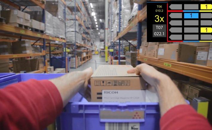 Proces kompletowania zamówienia z perspektywyw pracownika w inteligentnych okuarach