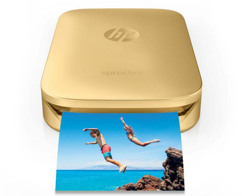 Drukarka HP Sprocket korzysta z papierów o typowym formacie fotograficznym 50 x 76 mm.