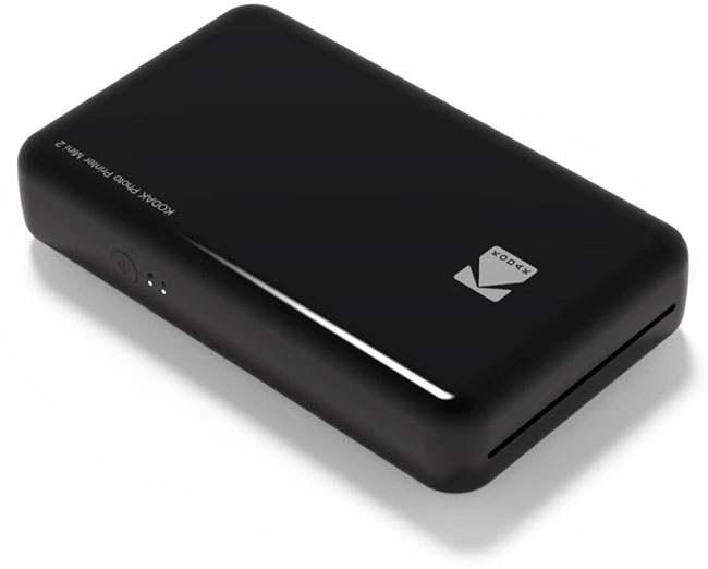 Drukarkę Kodak Mini 2 wystarczy położyć na smartfonie (z modułem NFC), aby wydrukować wybrane zdjęcia.