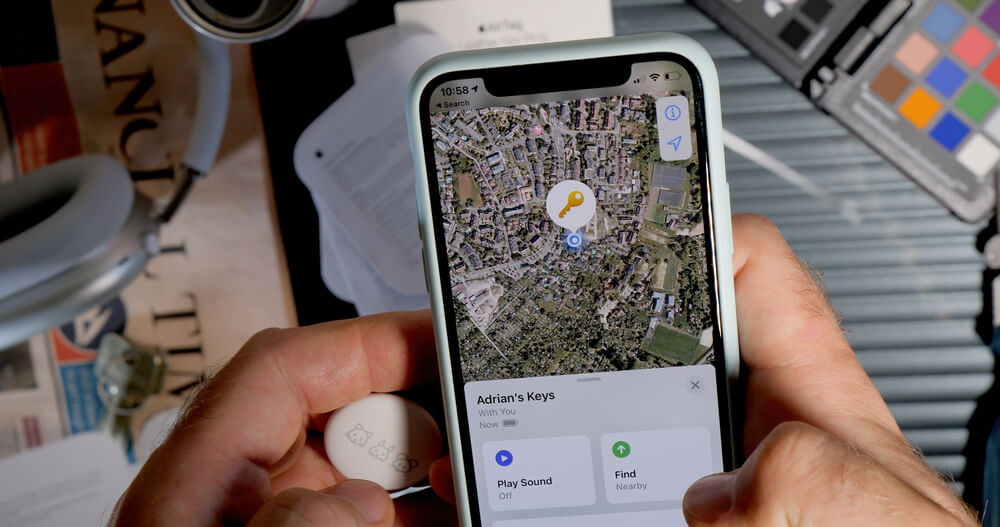 Widok AirTag na iPhonie